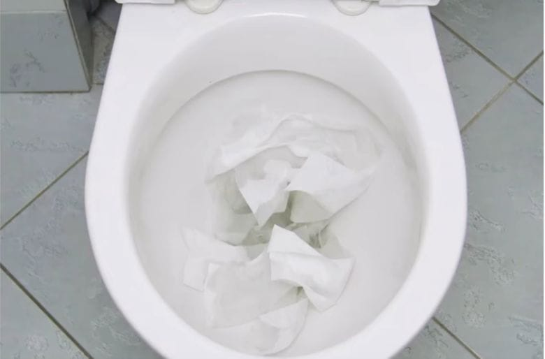 Got A Clogged Toilet? THIS Is How You Easily Unclog It Using Only Some Of  Cling Film!