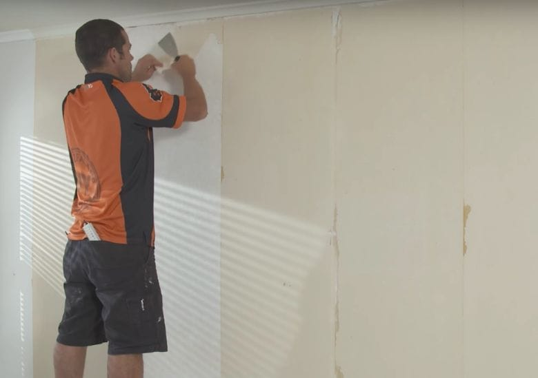 This Simple Trick Will Help You Remove Old Wallpaper In No Time At All